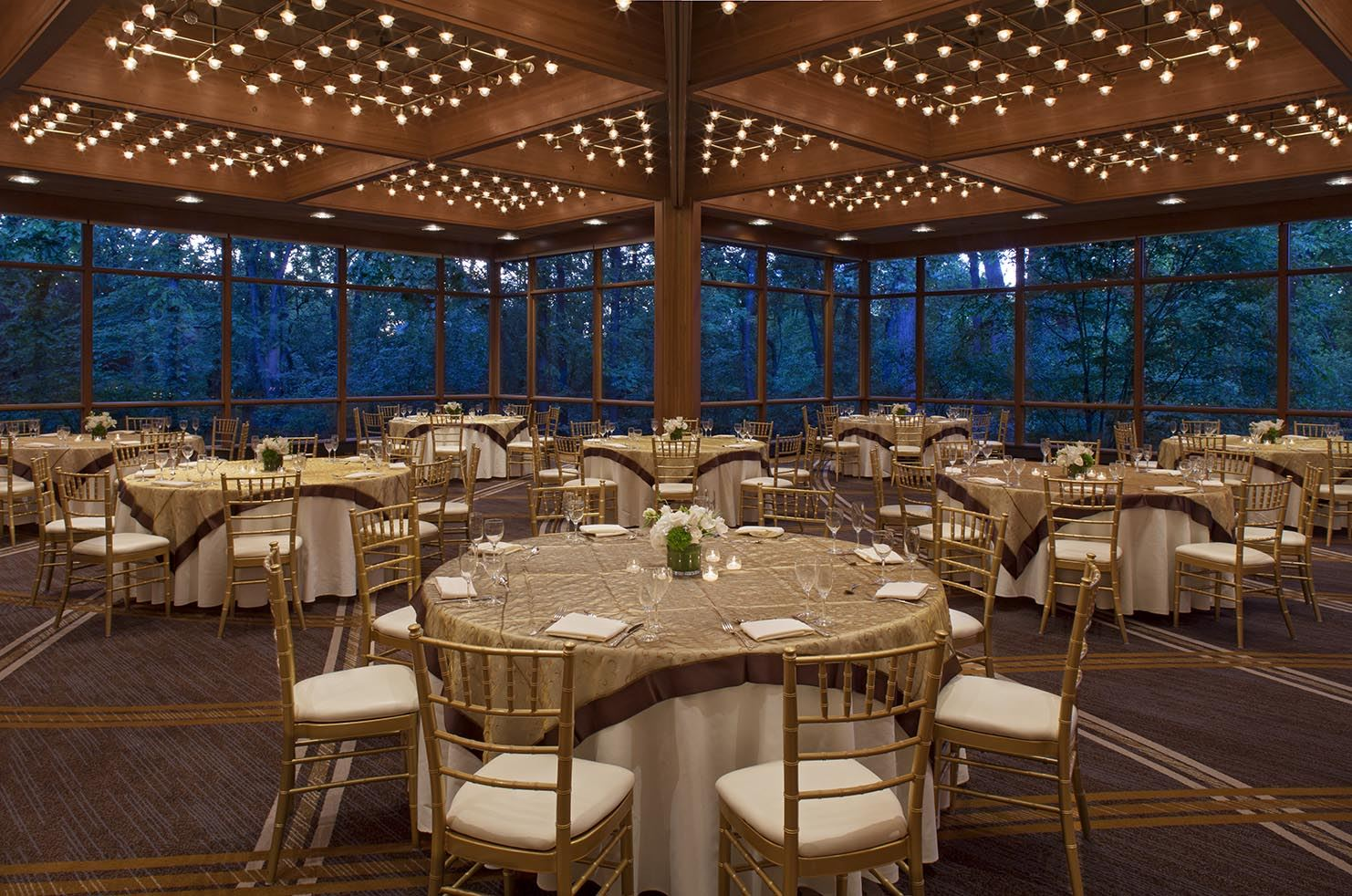 Hyatt Lodge Grad Oaks Pavillion